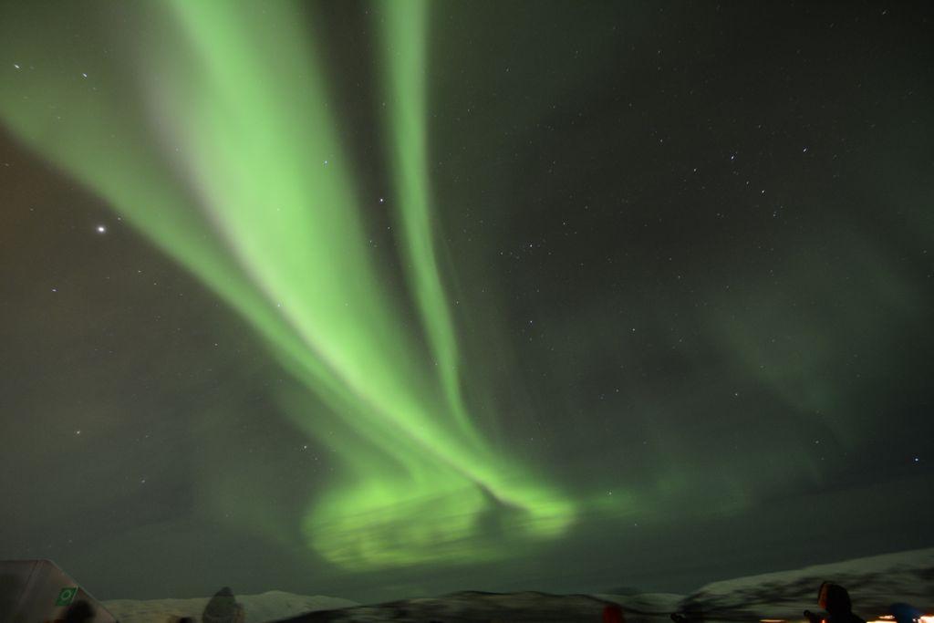... und dann einfach nur der Hammer: Das Polarlicht zeigt, was es kann!