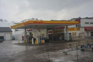 Markiert den 71. Breitengrad: Die Shell-Tankstelle.