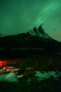Twin Peaks: Polarlicht hinter Wolken