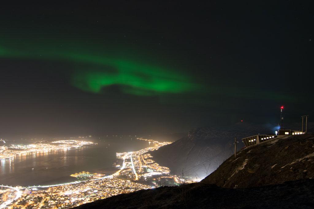 Polarlichter vom Storsteinen aus.