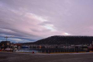 Gar nicht so dunkel: Die Polarnacht. Tromsø kurz vor 11 Uhr Mittags.