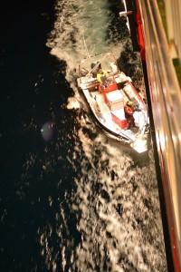 Krabbenfischer entern das Boot