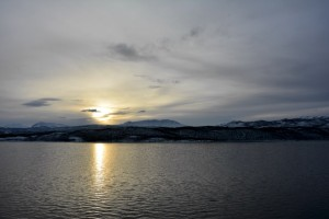 Sonnenaufgang, heiter bis wolkig