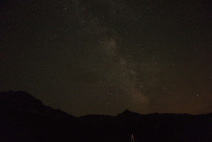 Die Milchstraße. 10 Sek. mit 1600 ISO und f/1,7, Einzelaufnahme, keine Filter, nachbearbeitet mit Affinity-Foto.