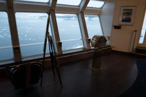 Sogar Teleskope gibt es an Bord