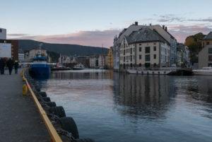 Im morgendlichen Ålesund