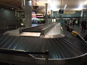 Das Gepäckband in Oslo. Wie ich es hasse.