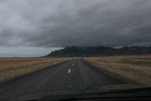 Wolken und Regen werden typisch für diesen Tag