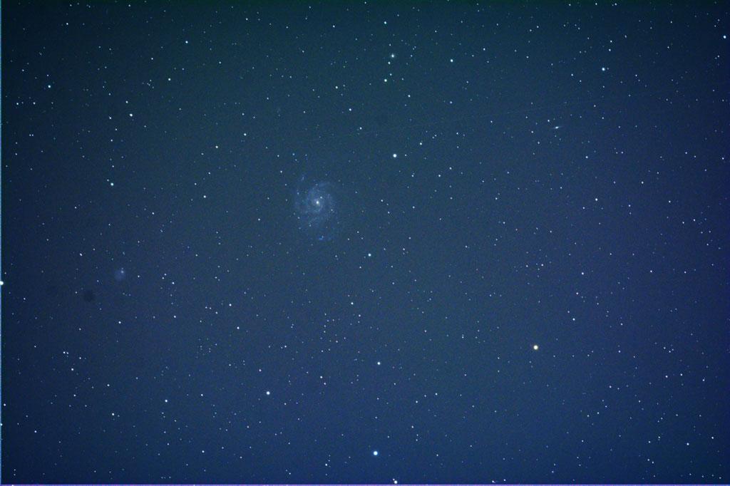 Nicht toll, aber besser: M101 nach der Bildbearbeitung.