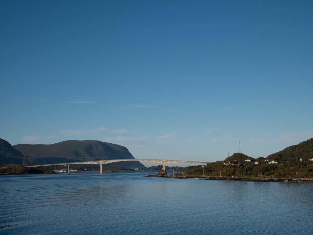 Die Brücke vor Torvik